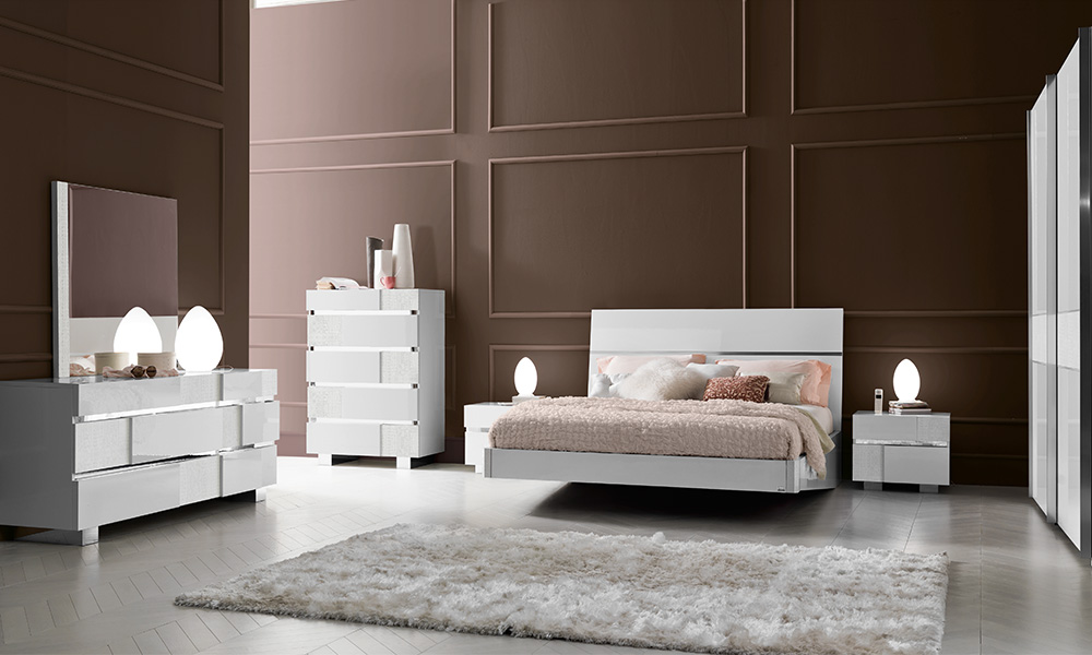 http://phovip.com.vn/pictures/catalog/product/bedroom/bo-giuong-caprice-white.jpg